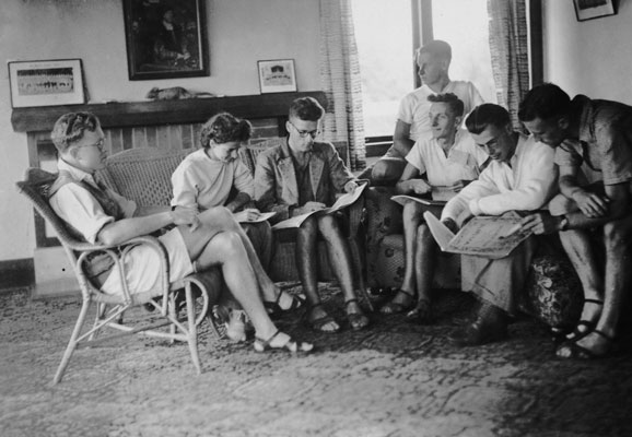 The composers class at the 1947 Cambridge Summer School of Music, photographed by Frank Hoffmann